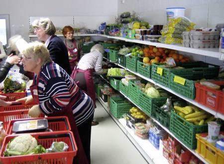 Die Lebensmittelausgabe in unserem Ladengeschäft